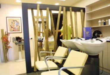 Arredamento per parrucchieri e centri estetici progettati for Arredamento centri estetici