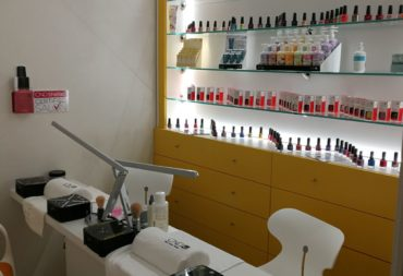 Arredamento per parrucchieri e centri estetici progettati su misura